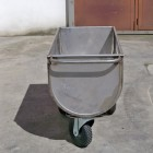 carrello-trasporto-mangime-inox-1.jpg